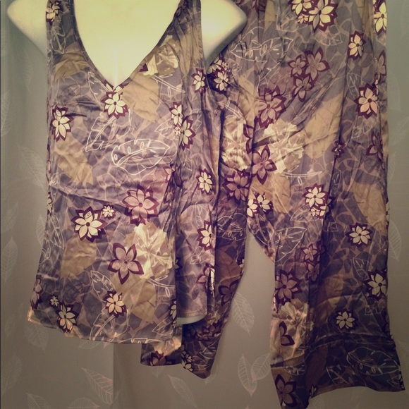 cabela s Other - CABELAS silk pajama set ... 7abb8a489